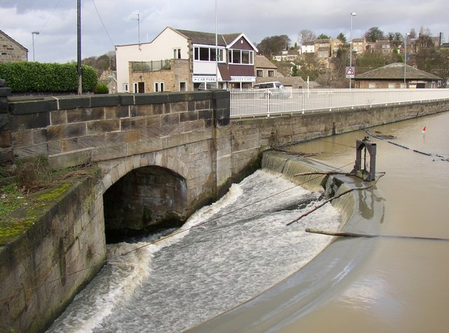 Outlet weir to Newmillerdam lake, off Barnsley Road, Crigglestone