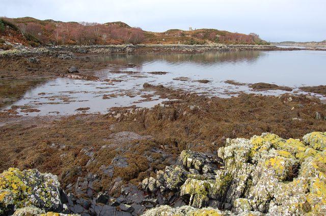 Coastline east of Rubha na Sgillinne