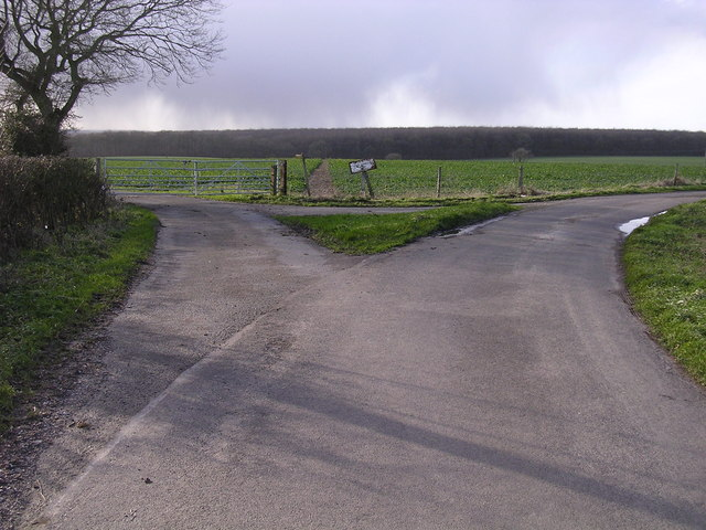 Junction of roads and footpath west of Upper Wyke