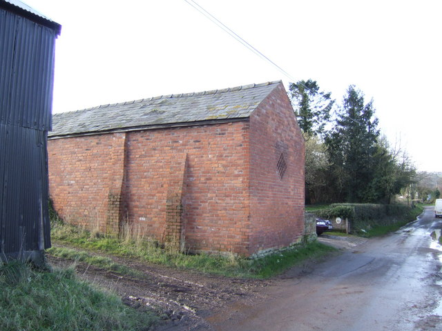 Brick barn in Upper Shenmore