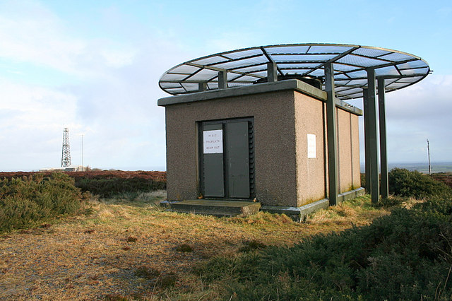 A component of the aerial system on Windyheads Hill.