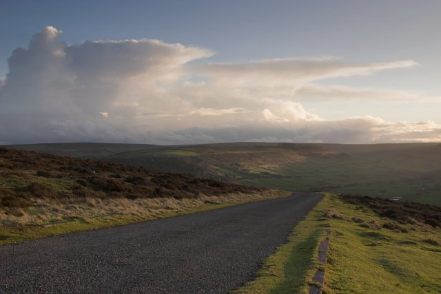 The road to Danby Beacon