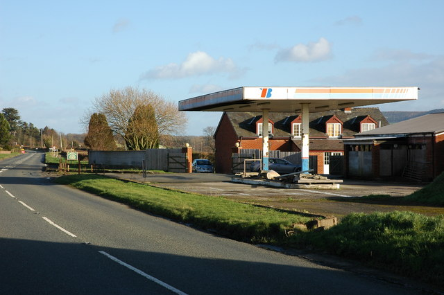 Former petrol station/garage, Kinnersley