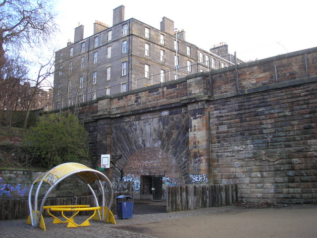 Scotland Street Tunnel and Play Park.