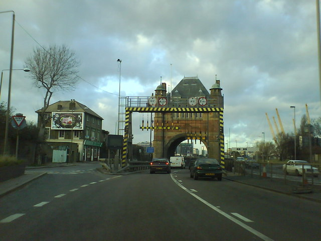 Approaching the Blackwall Tunnel Northbound