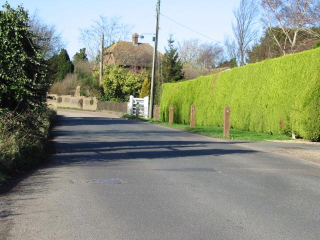 Looking NW along Bekesbourne Lane, Littlebourne.