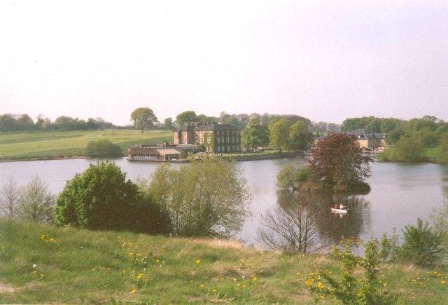Walton Hall and lake, Walton