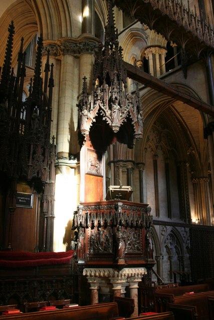 Choir pulpit