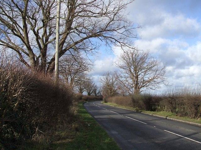 A4146 near Chiltern Farm