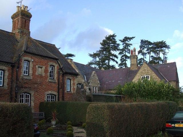 Mentmore - village houses