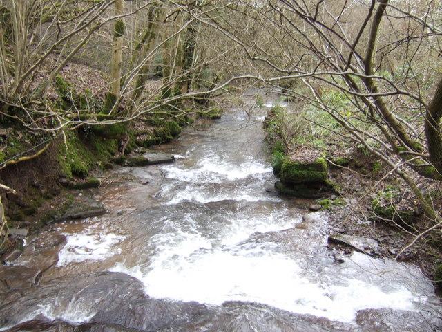 Pwll-y-wrach looking downstream