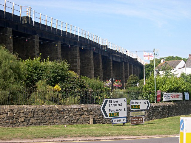Hayle Viaduct - from below