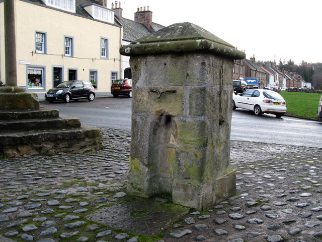 Wellhead in The Square, Gifford
