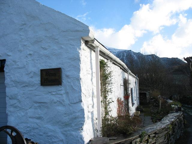 Bron-y-fferam - a traditional cottage