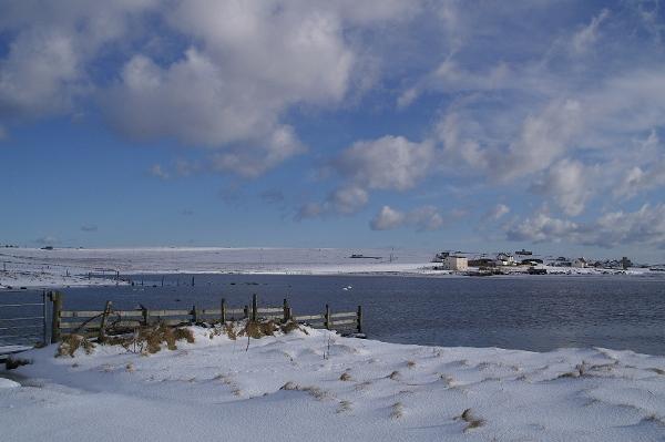 Easter Loch, Uyeasound