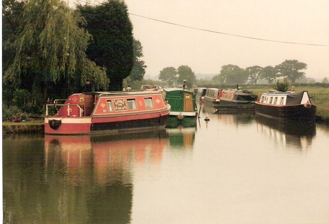 Coventry Canal at Huddlesford