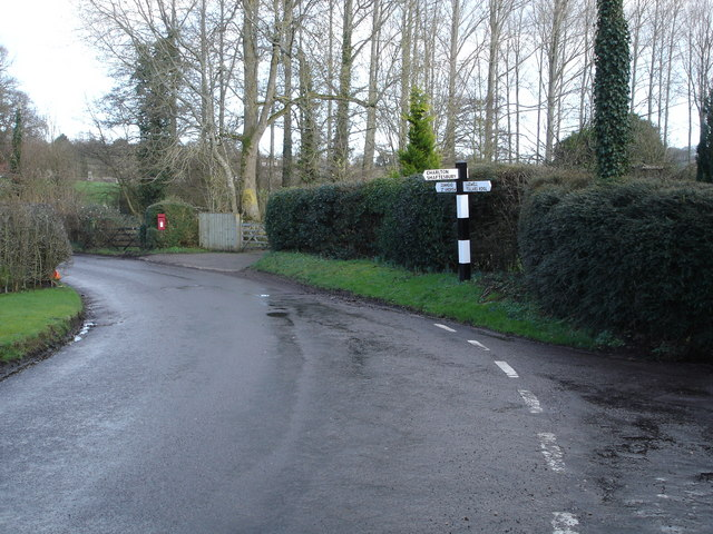 Junction at bottom of Front Horse Hill Lane