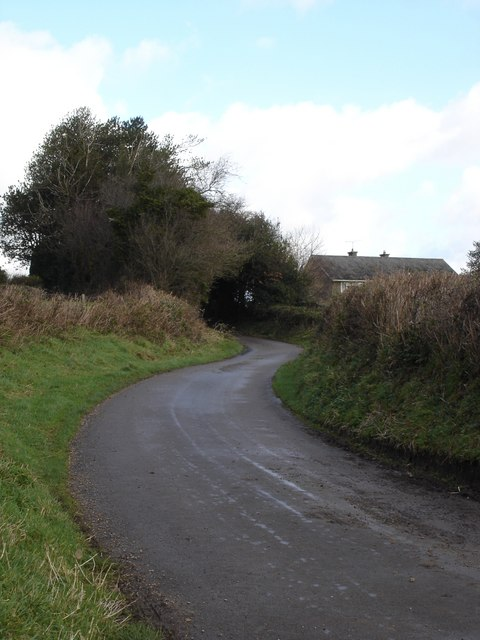 Road winding down from Barkers Hill