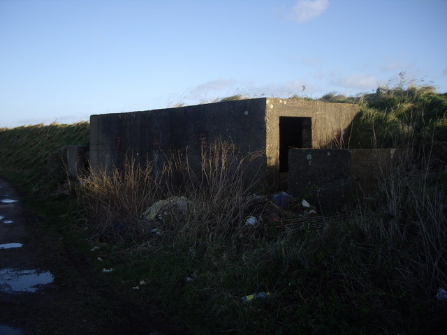 Disused Military Building Near Gedney Drove End