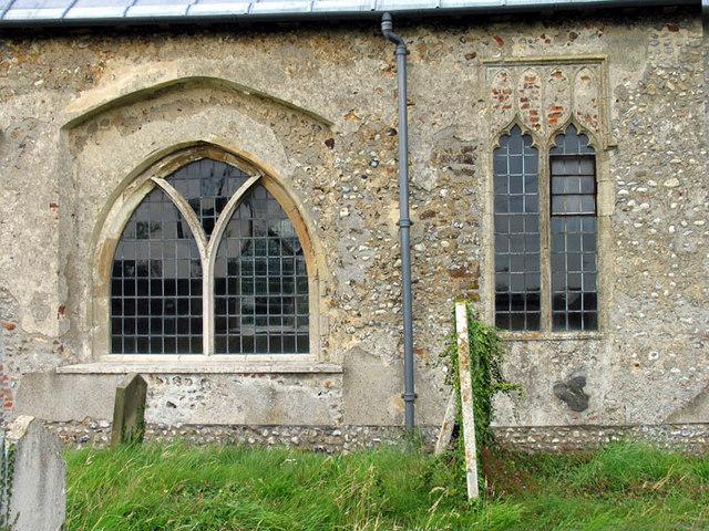 St Peter & St Paul, Oulton, Norfolk - Windows