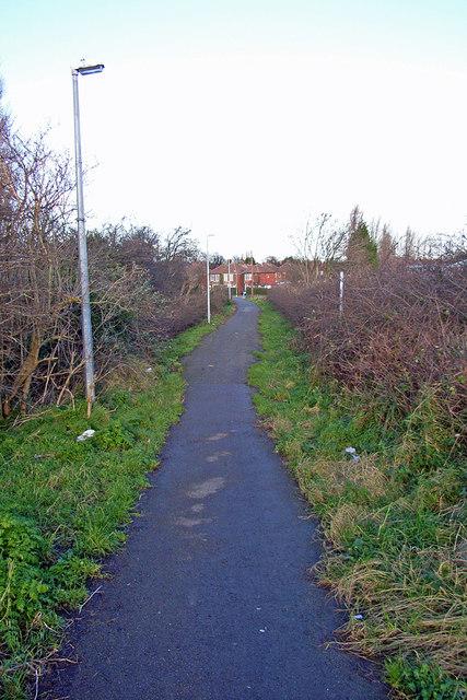 Footpath to Hessle