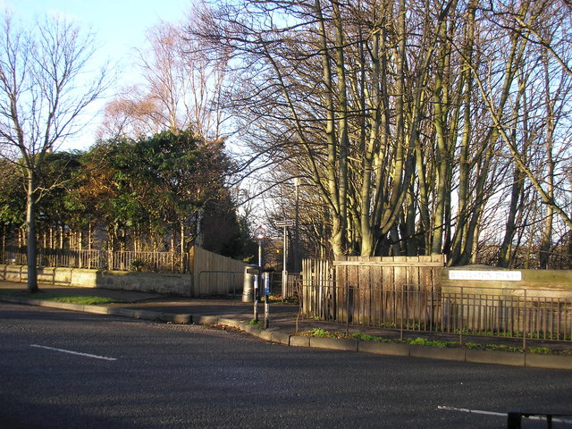 Entrance to the Roseburn Path at Ravelston Dykes
