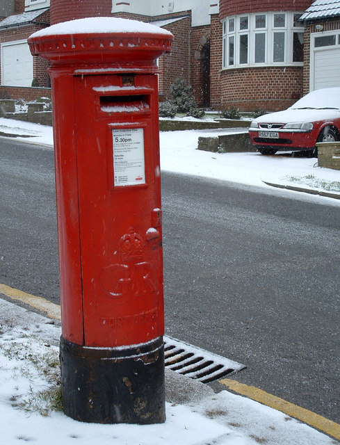 George V Pillar Box on north corner of South Lodge Drive and Carlton Avenue, N14