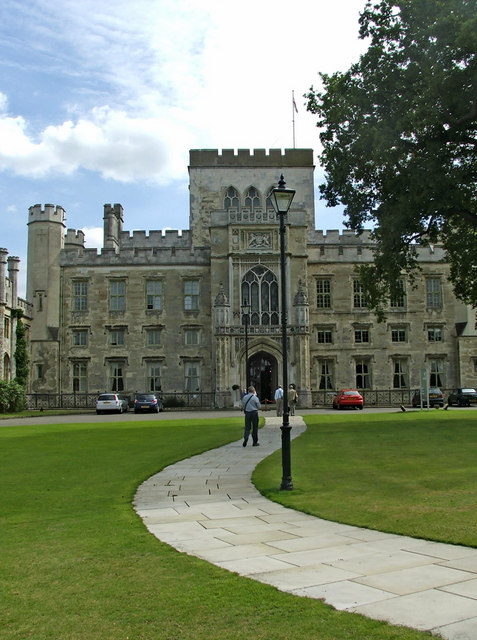 Approach to Ashridge Management College
