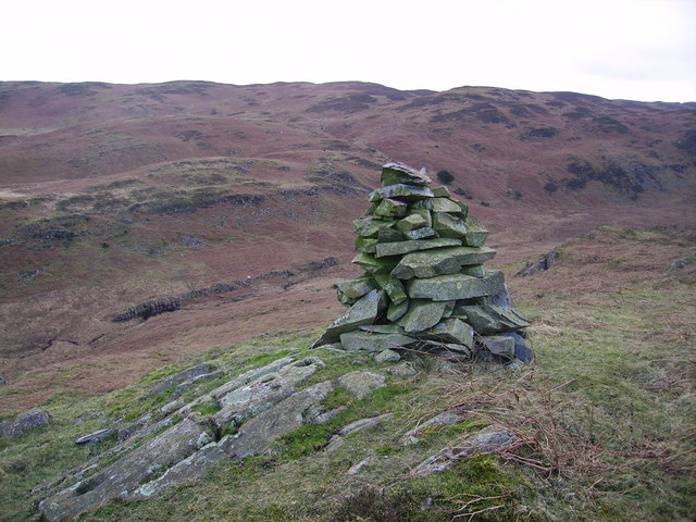 Cairn above Mere Beck