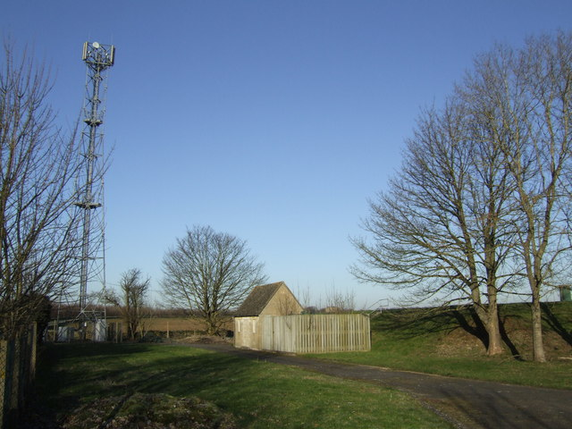 Reservoir and mobile phone mast