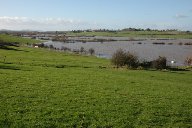 Flooded Avon north of Tewkesbury