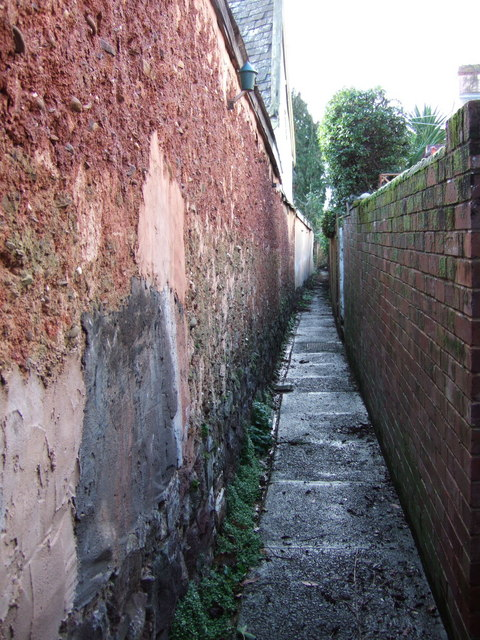 Alley behind East Grove Road, Exeter