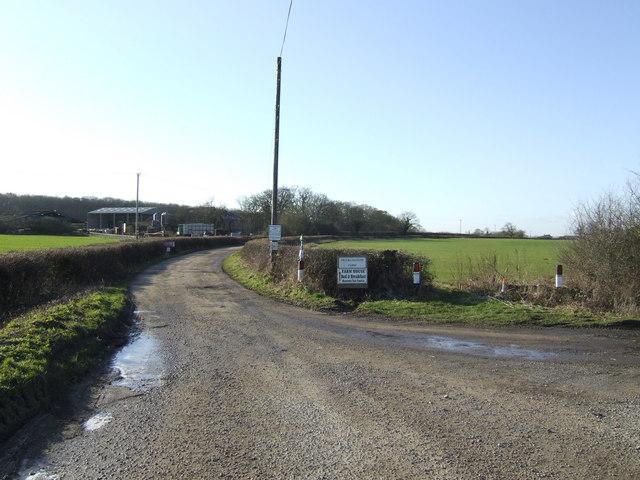Road to Ducklington Farm