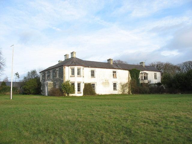 Llwyn y Brain manor house