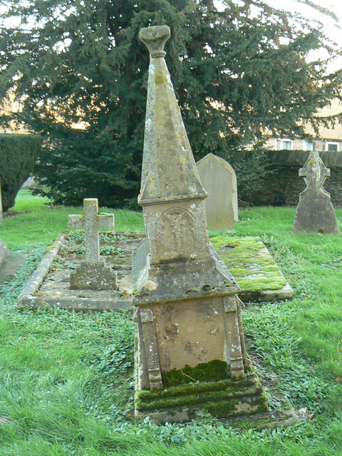 Roberts' family tomb, cemetery, Co-operative Funeral Service, Witney (1)