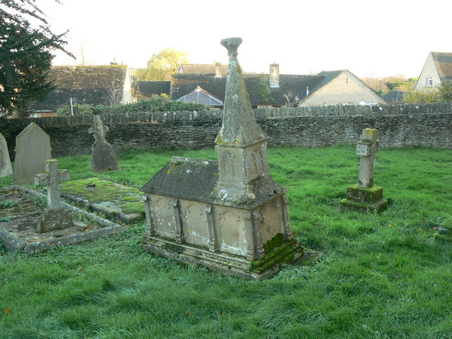 Roberts' family tomb, cemetery, Co-operative Funeral Service, Witney (2)
