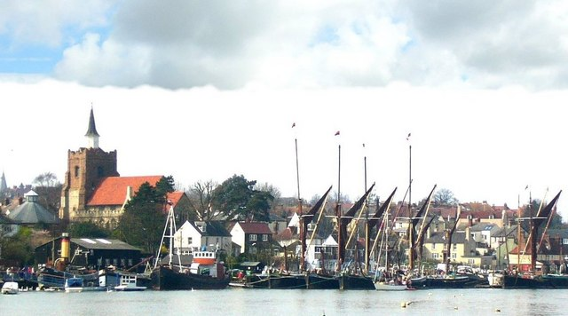 Vessels moored at Maldon quay