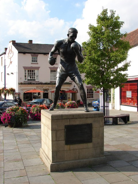 Statue of Randy Turpin in Warwick Square