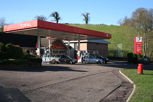 Bishop's Nympton: Woodside Garage