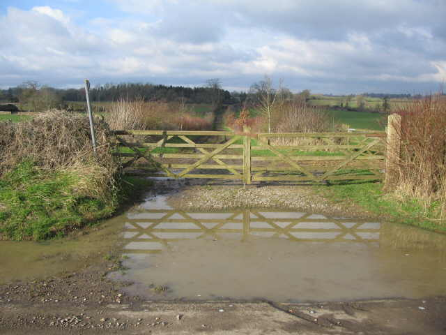 Footpath from Hookshouse Lane