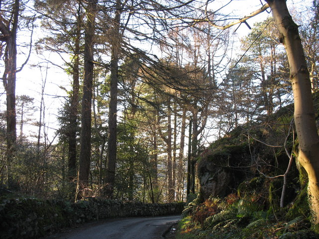The Fachwen road near Pen-y-clip