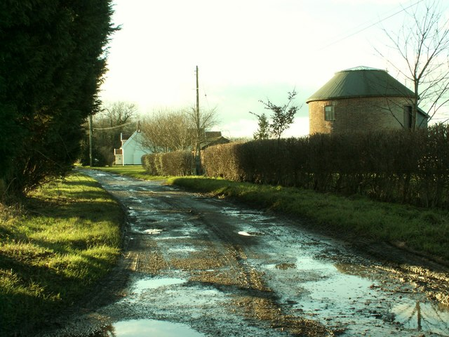Footpath at Broad Green