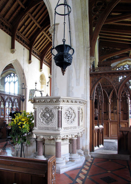 St Withburga, Holkham, Norfolk - Interior with pulpit