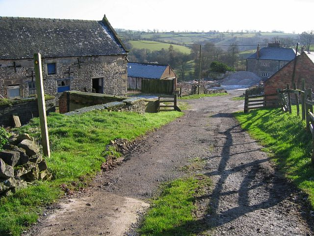 Footpath through Lea Cottage Farm