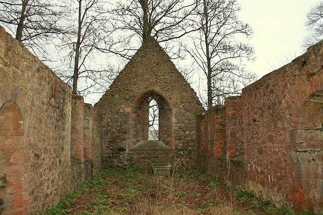 The eastern wall of the auld Altyre Kirk.