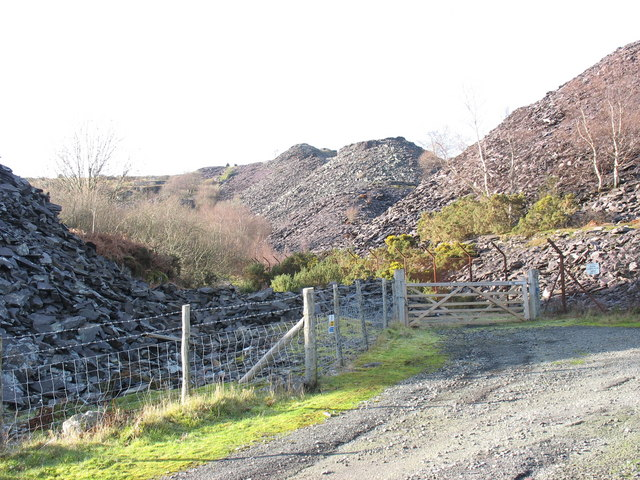 Entrance gate to the Ffridd Glyn Quarry