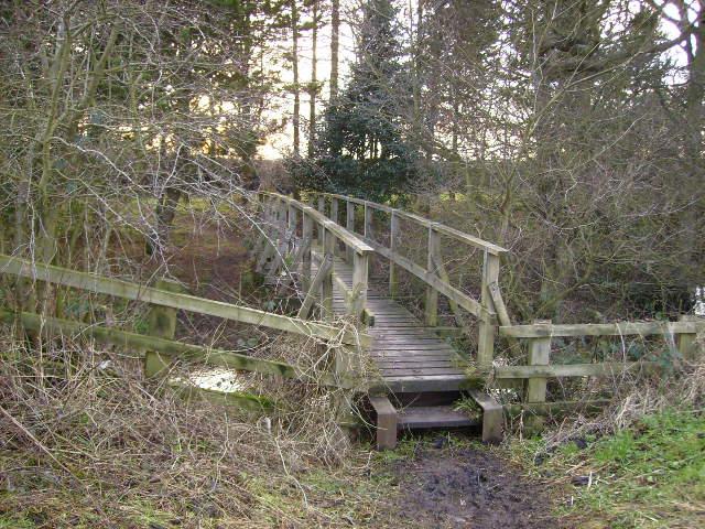 Footbridge over the River Derwent near Low Mill