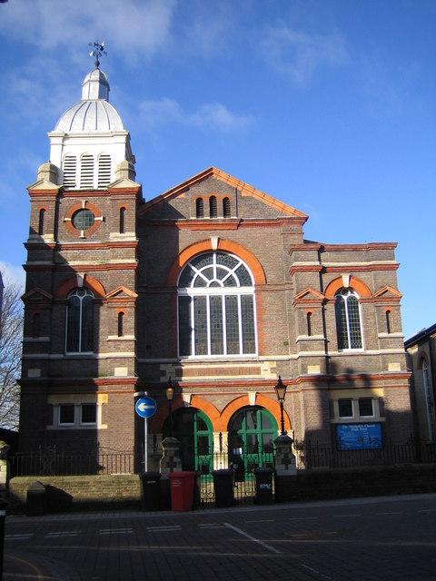 Luton: High Town Methodist Church (1)