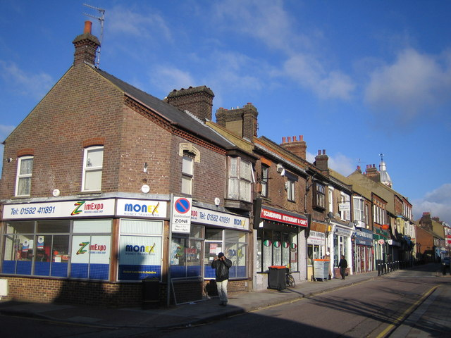 Luton: High Town Road