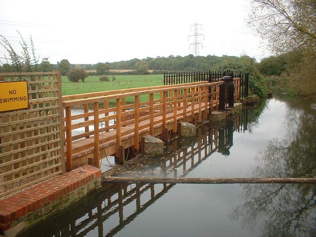 The weir and sluice